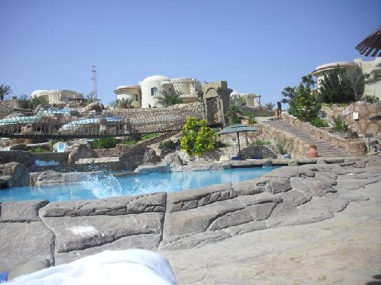 Hauza Beach Resort: The jungle pool
