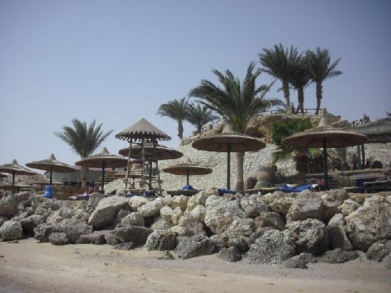 Hauza Beach Resort: The private beach