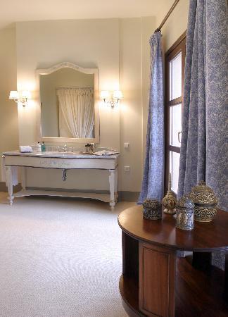 Le Convivial Wine Experience Suites: Room 4