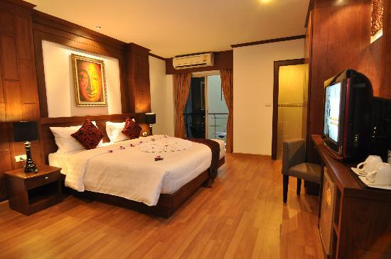 Hemingways Hotel Patong Beach: Studio room king size