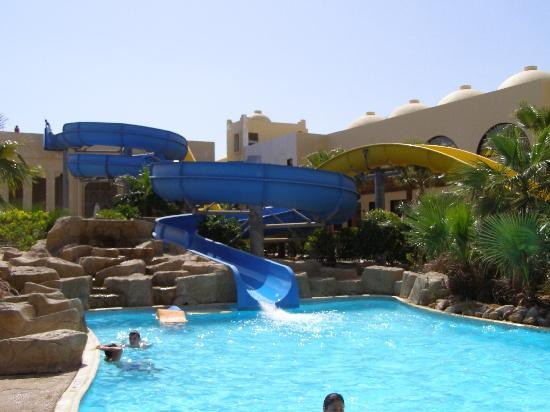 Palmyra Resort: x