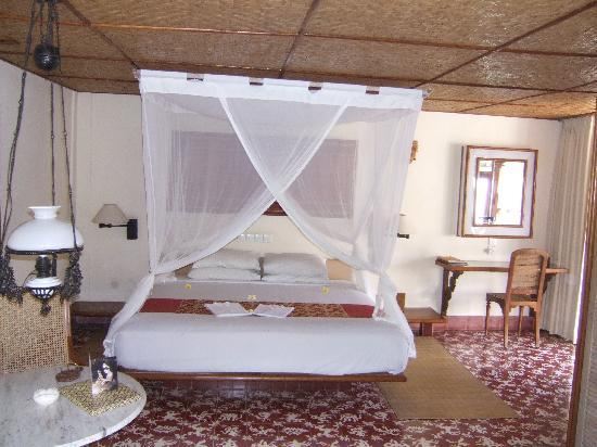 Tandjung Sari Hotel: Bedroom
