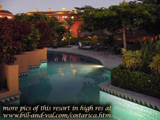 Los Suenos Marriott Ocean & Golf Resort: more pics of this resort in higher res at bill-and-val.com