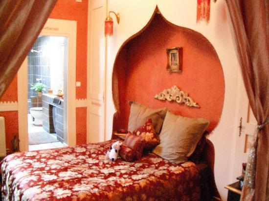 A La Fleur d'Oranger : Bedroom