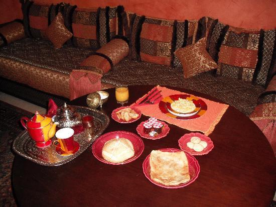 A La Fleur d'Oranger: Lounge where you have breakfast