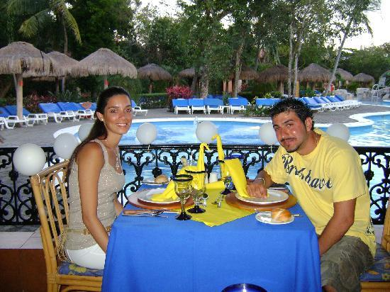 Hotel Riu Tequila: Honeymoon meal organised for us at the steakhouse restaurant