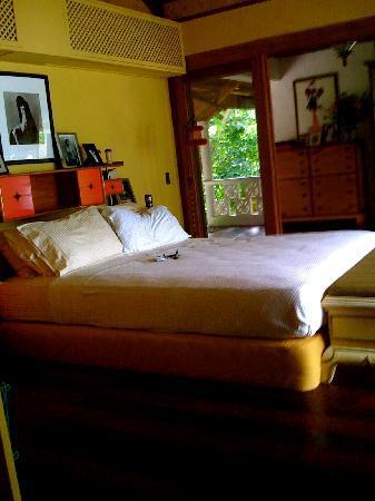 Mangenguey Island: bedroom