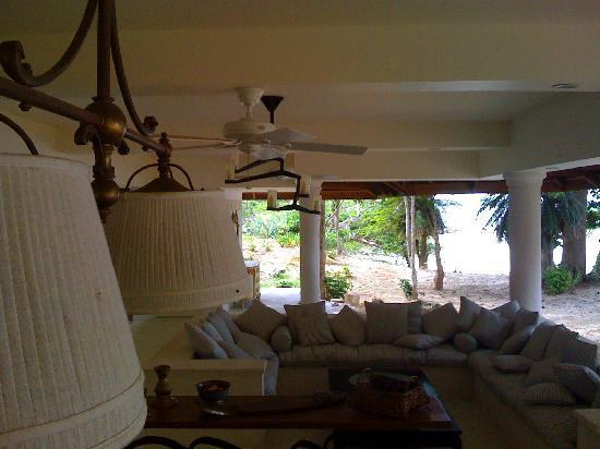 Mangenguey Island: the living room