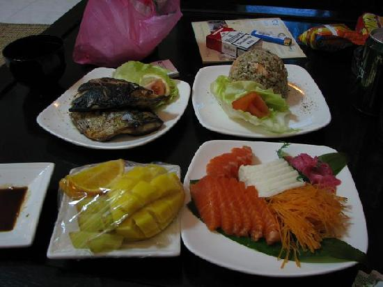 Ancasa Resort AllSuites: As usual, went a bit crazy on my room service order for supper..