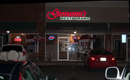 Giovanni's Restaurant: View from outside