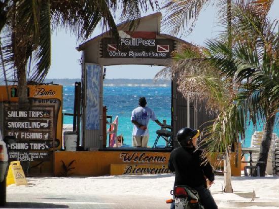 Ixchel Beach Hotel: Felipe`s shop, (snorkel, fly fishing, scuba,)