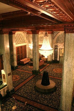 Hotel Whitcomb: Hotel Lobby from Mazzanine