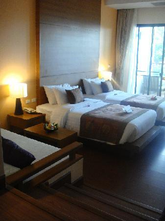 Aonang Cliff Beach Resort: our room