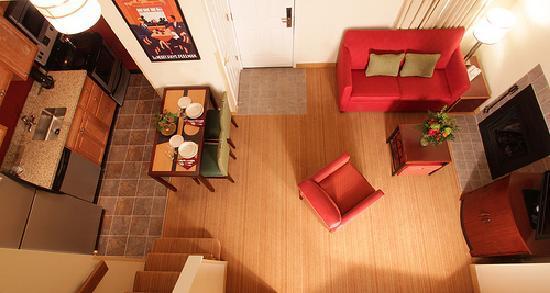 Sonesta ES Suites Omaha: Penthouse Overview