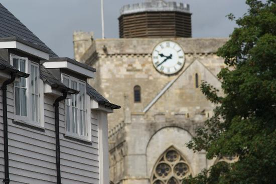 The White Horse Hotel and Brasserie: View of Romsey Abbey from The White Horse