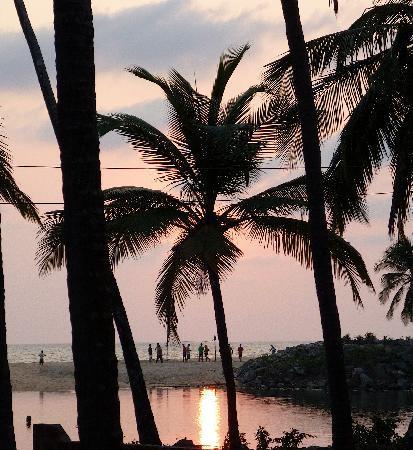 Kannur Beach House: Sunset from the verandah