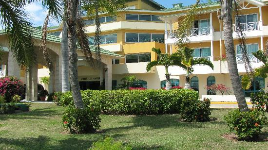 Melia Las Antillas: front of the motel