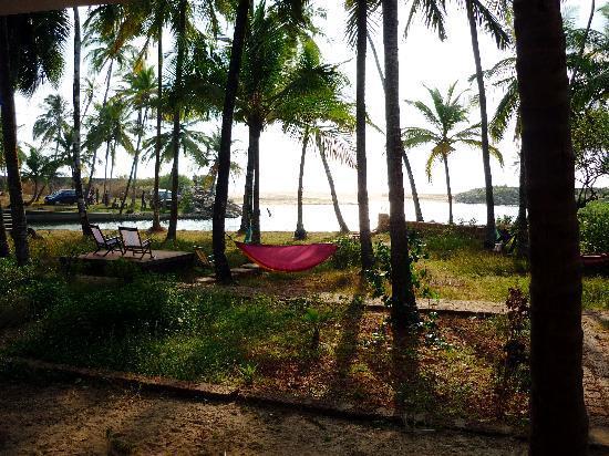 Kannur Beach House : Gently swaying hammocks to laze in
