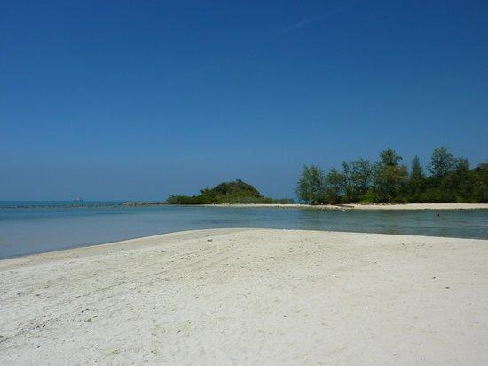 Imperial Boat House Beach Resort, Koh Samui: Beach