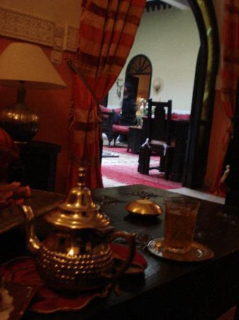 Riad Jona: il tè di benvenuto
