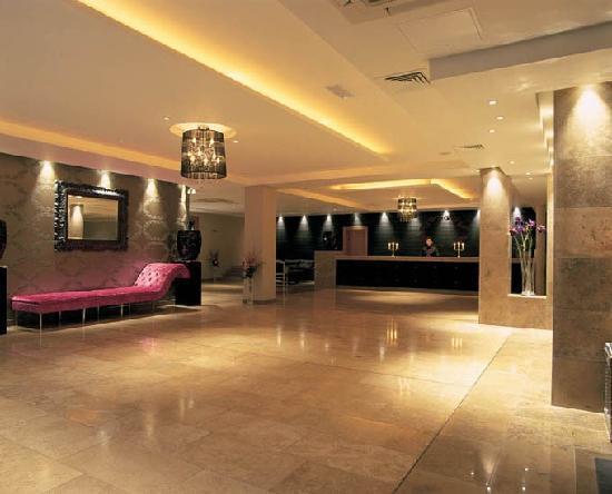 Hotel Kilkenny: Hotel Lobby