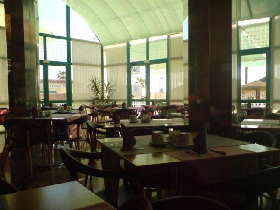 Hotel Isabel: breakfast room