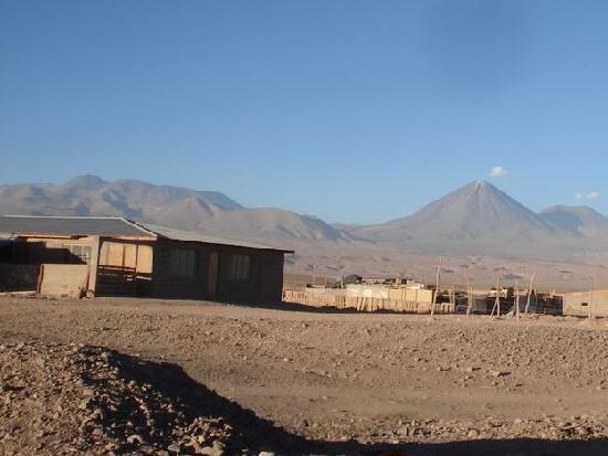Iquisa Hostal: vista desde entance a volcanes
