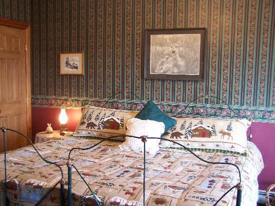 Linda Goodman's Miracle Inn: The Stratton room