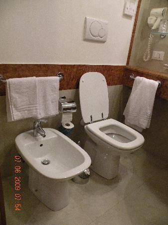 Hotel Milton Roma: el baño limpio