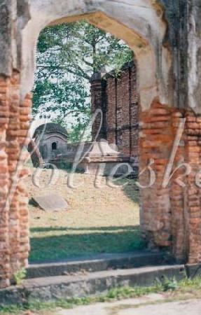 Ruins of Gaur: a tomb (not the one of Fath Khan)