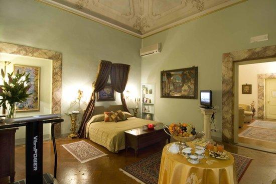 Palazzo Magnani Feroni: TopLuxury Suite