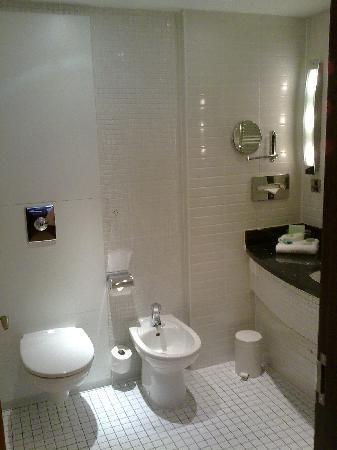 Princess St. Hotel: Bathroom