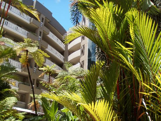 DoubleTree by Hilton Hotel Cairns: Hotel Atrium