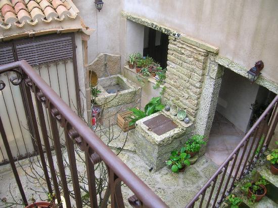 Hotel San Domenico: patio