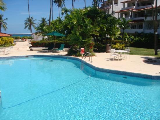 Glitter Bay Suites: Glitter Bay Pool
