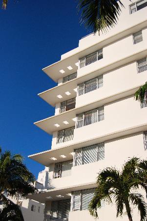 South Seas Hotel: Façade hôtel