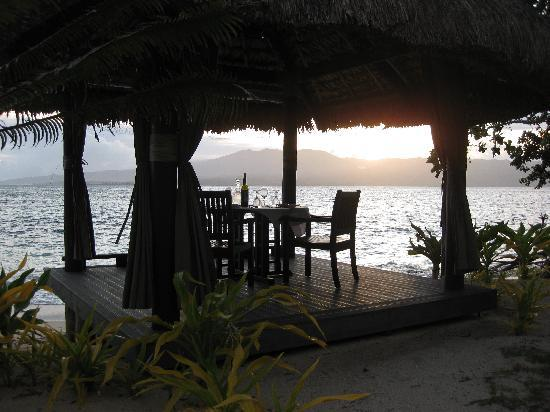 Qamea Resort And Spa Fiji: Dinner on the Beach
