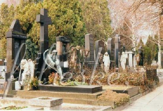 Neredin Cemetry Picture