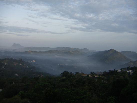 Amaya Hills Kandy: OUTSIDE