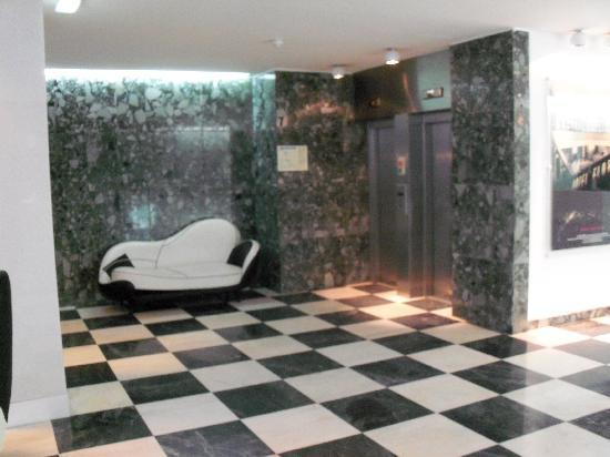 Hotel Florida: Lobby