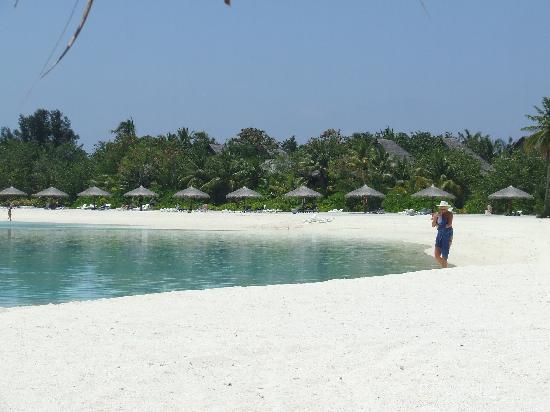 Olhuveli Beach & Spa Maldives: Our favourite bit of beach