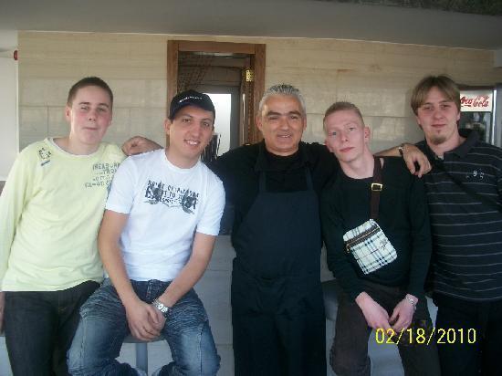 Dorian Inn Hotel: Unforgettable barman !