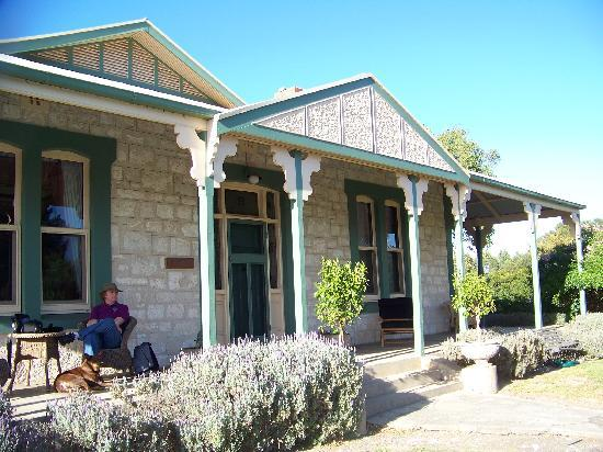 Stranraer Homestead: Frontal view of the home