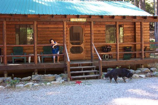 Yuba River Inn: Front Porch Living