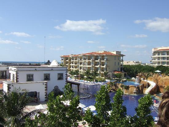 Hotel Marina El Cid Spa & Beach Resort: View of pool area from balcony