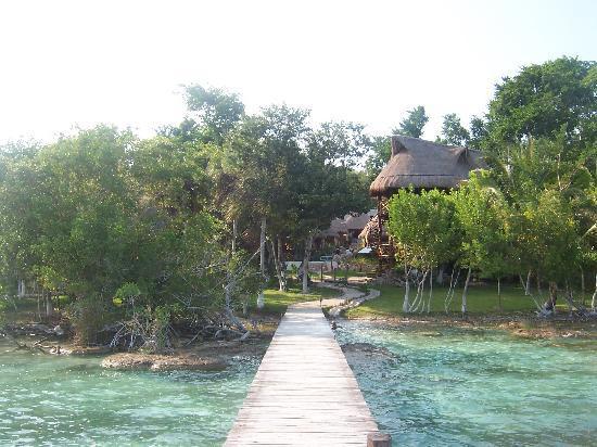Kuuch Kaanil Villas Eco-romanticas: vista desde la laguna