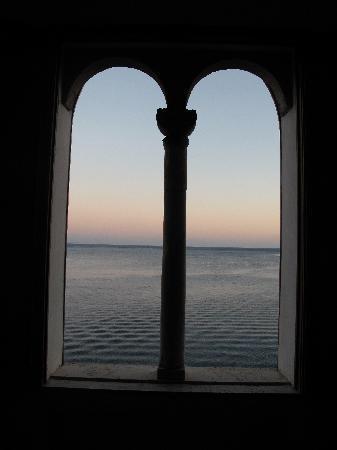 Villa Scarpariello Relais: The view at dusk