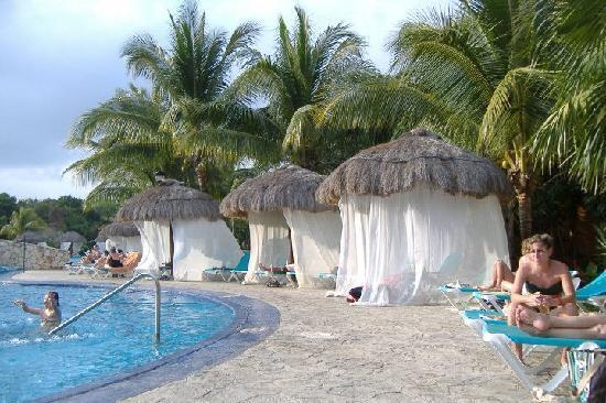 """Occidental at Xcaret Destination: La piscine """"tranquille"""" avec les jacuzzis intégrés"""