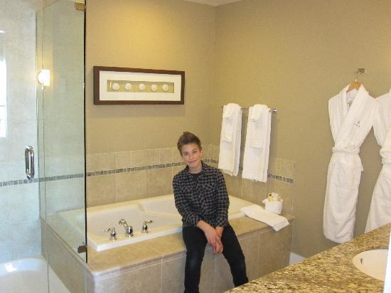 Beach Club Resort - Bellstar Hotels & Resorts: Room Bathroom
