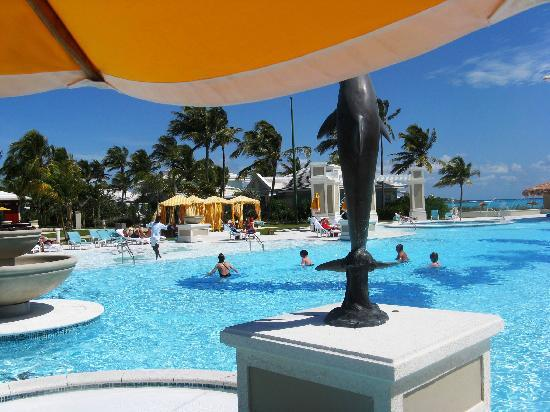 Sandals Emerald Bay Golf, Tennis and Spa Resort: Aquacise in the pool